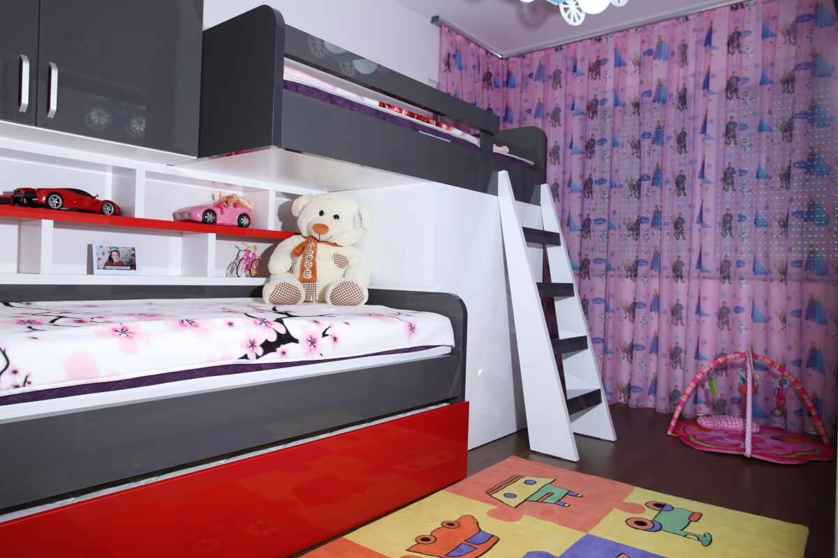 2 story bed and bedroom with girly color